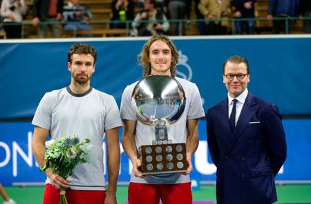 西西帕斯赢得斯德哥尔摩队的第一个ATP冠军,成为希腊历史