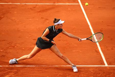 万卓索娃首次战胜马蒂奇,进入巴黎半决赛